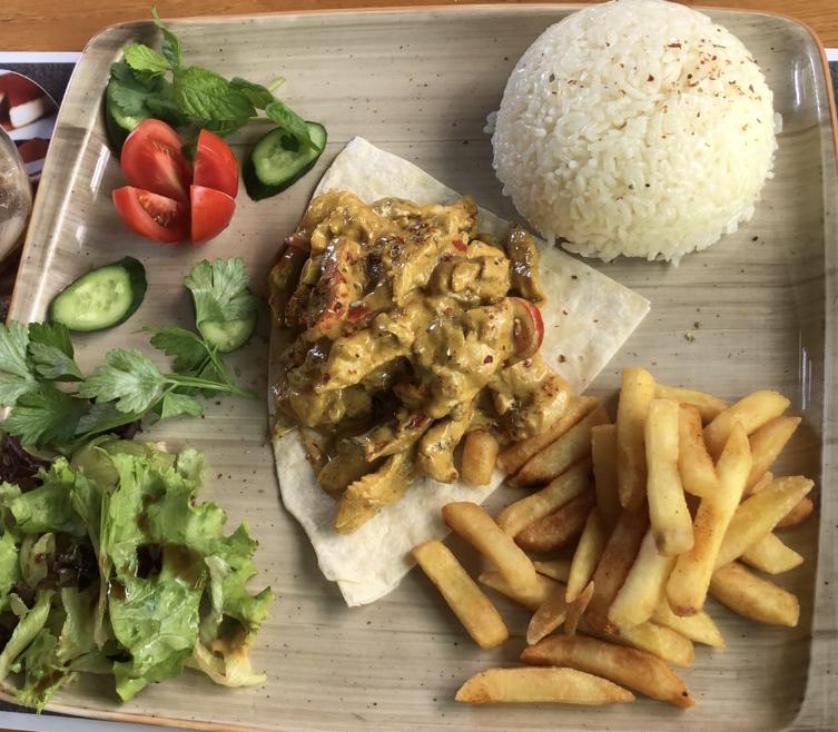 Loss Garden Cafe KÖRİ SOSLU TAVUK